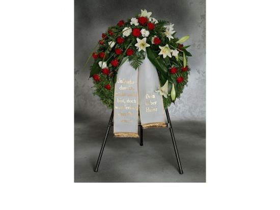 Kranz mit  weißen Lilien u. roten Rosen